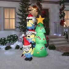 Blow Up Christmas Decorations Uk by Best 25 Christmas Inflatables Ideas On Pinterest