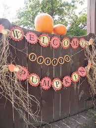 Halloween Baby Shower Centerpieces by Best 25 October Baby Showers Ideas On Pinterest Baby Shower