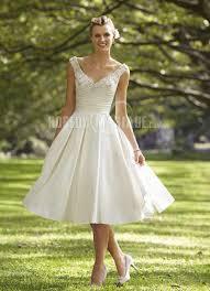 robe de mariã e sur mesure pas cher applique robe de mariée pas cher bretelle satin robe sur