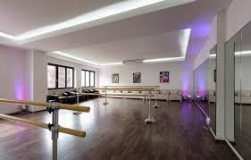 K He Kaufen U Form Die Tanzschule In Karlsruhe Willkommen In Der Welt Des Tanzens