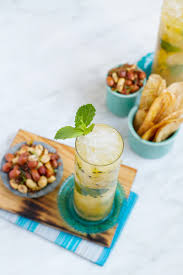 passionfruit mojito cocktail