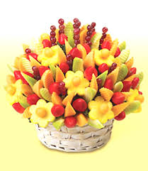chocolate covered fruit baskets edible arrangements sculpted fruit basket gifts gift fruit baskets