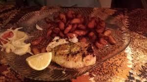 cuisine au barbecue capitaine au barbecue et bananes frites picture of ebene