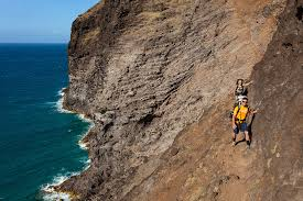 Narrow Picture Ledge Crawlers Ledge Kalalau Trail Narrow And Unforgiving Trail U2026 Flickr