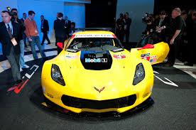 corvette racing live chevrolet corvette c7 r debuts at 2014 detroit auto