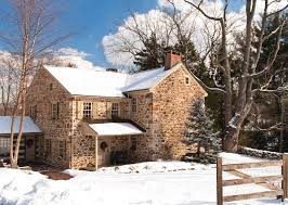 colonial farmhouse coming home for christmas