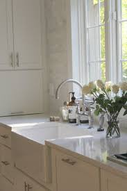 grey kitchen countertops with white cabinets how to choose the right white quartz for kitchen countertops