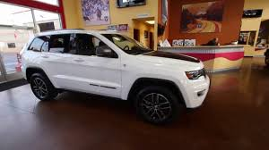 trailhawk jeep 2017 2017 jeep grand cherokee trailhawk bright white hc613999