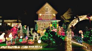dyker heights holiday lights new yorker spotlight tony muia brings us a slice of nyc s largest