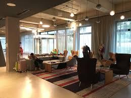 Wohnzimmer Cafe Hotel Review Moxy Munich Airport Insideflyer De