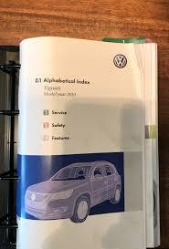 volkswagen tiguan 2010 owners manual 9780837616568 amazon com books