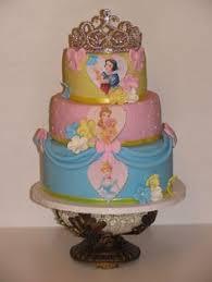 taart met prinsessen en prinsessencupcakes vivi u0027s birthday