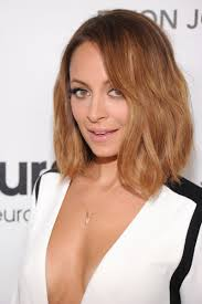 hair cuts for slightly wavy hair 15 of the best hairstyles for medium length wavy hair beautyeditor
