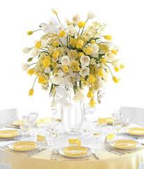 Opaque Vases 28 Round Table Centerpieces In Different Styles Gurmanizer