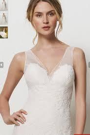 2012 desirable straps wedding gown with lace applique corset shape