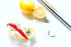 technologie cuisine citron dans un emballage sous vide sous vide cuisine de nouvelle