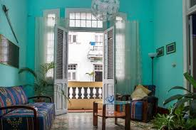 air bnb in cuba airbnb expands into cuba with over 1 000 listings open to licensed