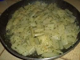 cuisiner les cotes de blettes les côtes de blettes à la sauce blanche une recette facile sauce