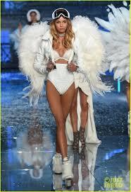 victoria secret angel halloween costume martha hunt u0026 stella maxwell make their angel debuts at victoria u0027s