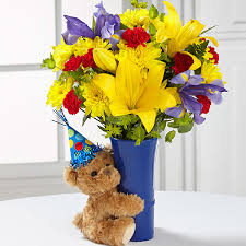 birthday boquets the ftd big hug birthday bouquet vase included