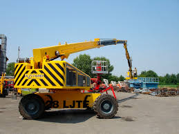 self propelled telescopic boom lift tractor mounted outdoor