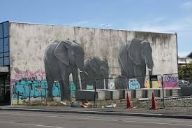 elephant mural on manchester street christchurch daily photo dsc00097 dsc00100