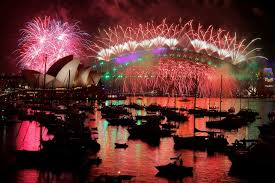 new year skies explode in colour as australia rings in 2017 abc