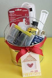 Best Housewarming Gifts 2015 Diy Gift Basket Ideas The Idea Room
