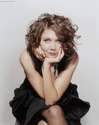 haircuts for heart shaped faces with curly hair maggie faces in color five pinterest maggie gyllenhaal