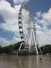 file wheel of brisbane during 2011 flooding jpg wikimedia commons