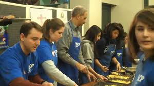 attorney general eric holder volunteers at soup kitchen youtube