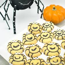 easy halloween spider cookies becky u0027s best bites