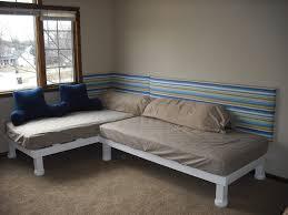 Seventeen Zebra Darling Bedroom Set Http Img Jsgtlr Com 2016 10 30 Brady Bunch Girls039 Bedroom L