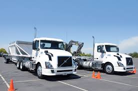volvo 18 wheeler trucks volvo vnl 300 first drive photo u0026 image gallery