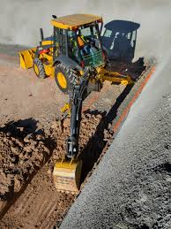 top manufacturer tips to simplify backhoe loader selection