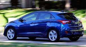 hyundai elantra 2013 vs 2014 hyundai updates 2014 elantra gt with 2 0l engine and led