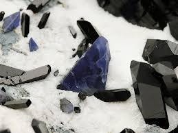 benitoite neptunite with benitoite