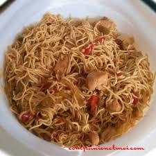 comment cuisiner des nouilles chinoises nouilles chinoises au poulet et sauce soja recette companion