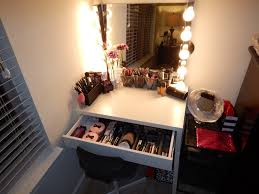Vanity Lights Ikea by Furniture Small Makeup Vanity With Amusing Mirror And Lights For