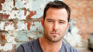 strike back star sullivan stapleton hits blindspot at nbc
