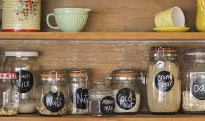 fabriquer cache poubelle 24 idées de rangement pour la cuisine comment ranger sa cuisine