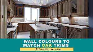 what color cabinets with oak trim 10 wall colours that match oak trim with pics