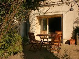 terrasses et jardin maison de hameau de charme à proximité de viens avec terrasse et
