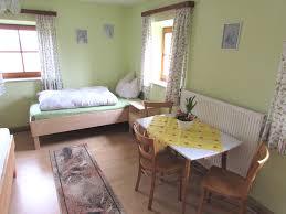 Schlafzimmer 10 Qm Ferienwohnung öderhof De Saaldorf Surheim Ferienwohnung Mit 84