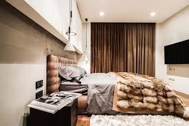 chambre contemporaine grise design interieur chambre coucher moderne tête lit tapissée beige
