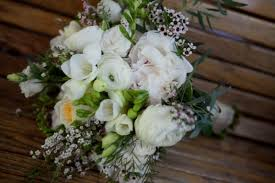 cost of wedding flowers budgeting for wedding flowers partyspace