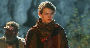 tru boy robbie sets once upon a time s robbie kay chats about being peter pan latimes