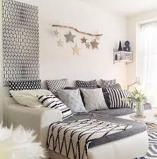 Raumgestaltung Wohnzimmer Modern Wohnzimmer Einrichten Ideen In Weiß Schwarz Und Grau