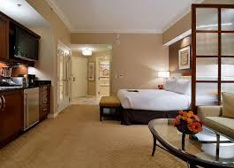balcony deluxe suite
