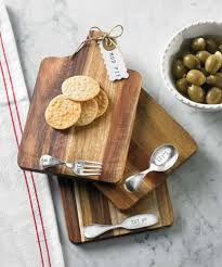 mud pie cutting boards used wooden cutting boards to display foods for rabbit